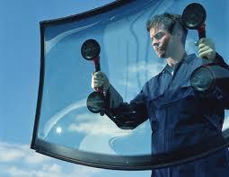 Автостекла для иномарок: ремонт или замена?