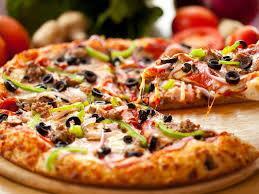 Пиццу любят и взрослые и дети