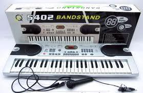 Детский синтезатор - мечта многих ребят