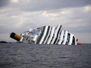 Сел на мель лайнер Коста Конкордия