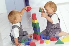 Выбираем развивающую детскую игрушку