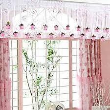 Значение подвесок для штор и карниза в интерьере комнаты