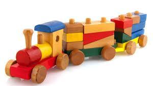 В чем преимущества деревянных развивающих игрушек?