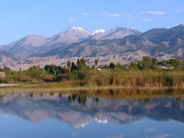 Иссык-Куль - озеро, привлекающее тысячи туристов